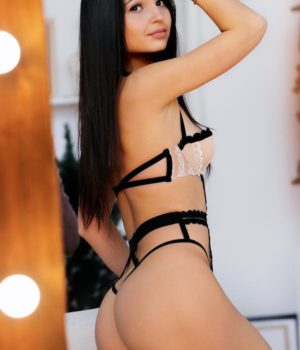 Maya/מאיה יפיפייה בת 23